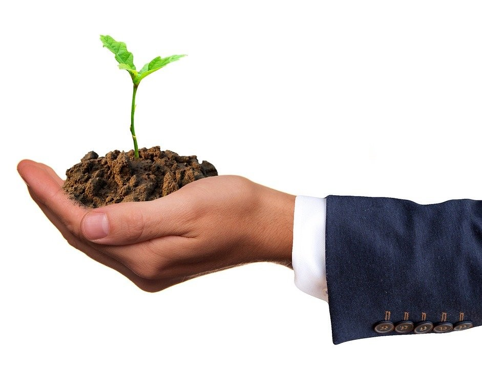 HOW TO ACHIEVE A SUSTAINABLE BUSINESS